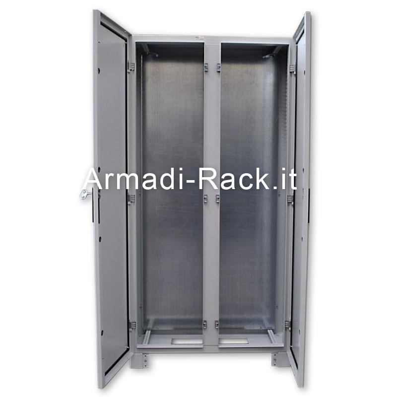 Struttura armadio + porta con finestra + posteriore, dimensioni in mm L=1600, H=2000, P=600