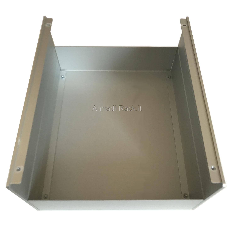 Custodia in alluminio doppio guscio a 'C' uniti da frontale e posteriore H=130, L=242, P=213 mm