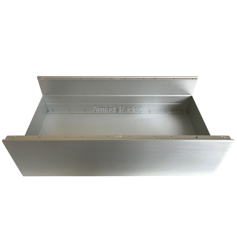 Custodia in alluminio doppio guscio a 'C' uniti da frontale e posteriore H=130, L=434, P=213 mm
