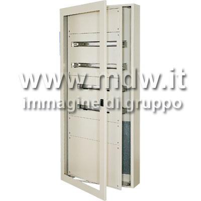 Quadro con porta con oblo' mis. 560Lx1480Hx250