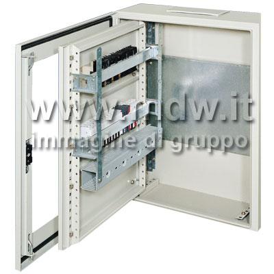 Quadro con porta con oblo' mis. 560Lx680Hx250