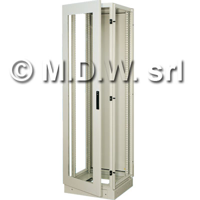 Armadio elettrico con montanti rack 40 U misure 600 (L) x 2000 (H) x 500 (P) incluso zoccolo alto 100 mm