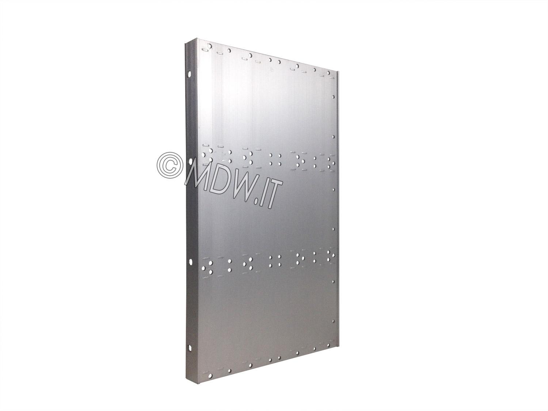Parete laterale completa di flangia per subrack 9 unità profondi 239,2 mm per schede da 220 mm