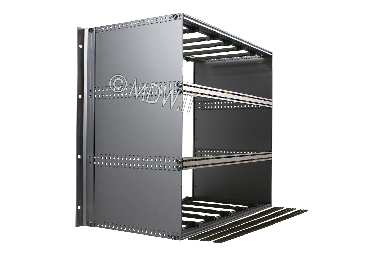 Subrack portamoduli a pareti composte 1 x 9U 84HP per schede P=220 con connettori ad inserzione diretta o su backplane