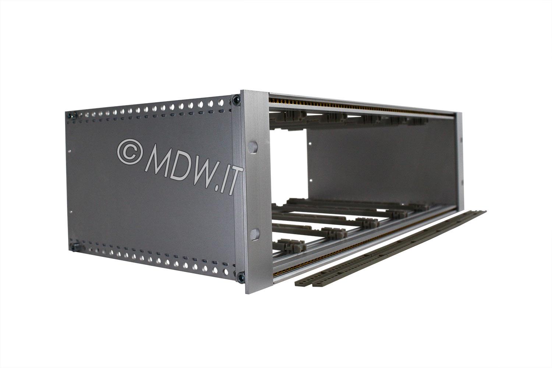 Subrack portamoduli a pareti composte 1 x 3U 84HP per schede P=220 con connettori ad inserzione diretta o su backplane