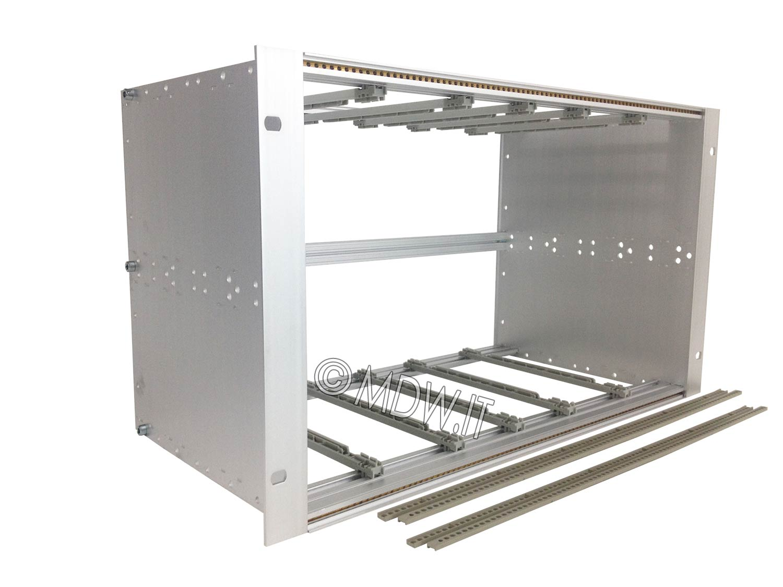 Subrack portamoduli 1 x 6U 84HP x 239 per schede P=220 con connettori ad inserzione diretta o su backplane
