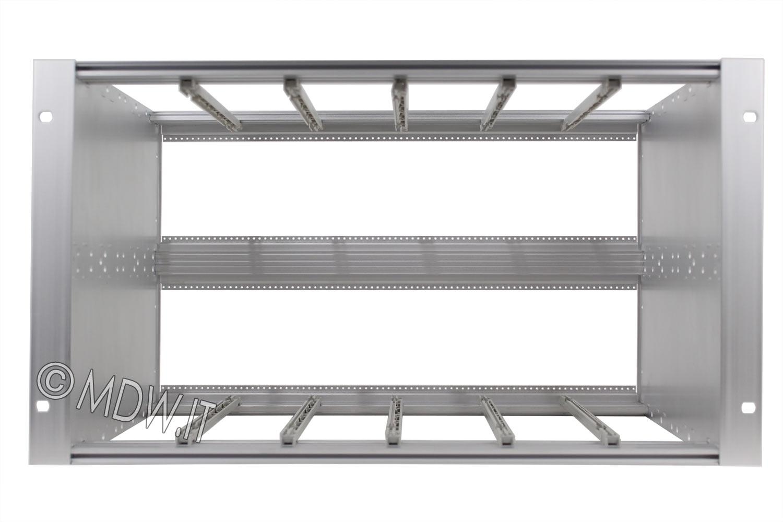 Subrack portamoduli 1 x 6U 84HP x 239 per schede P=220 con connettori ad interasse di fissaggio di 90 mm secondo standard DIN 41612, IEC 60603-2 ed EN 60603-2