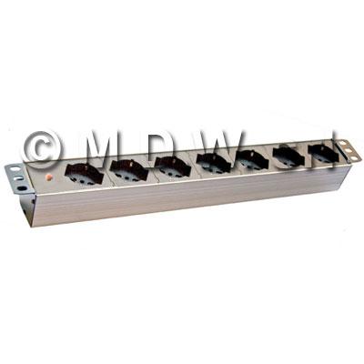 Multipresa 7 prese + SPIA/LED - presenza rete - struttura PVC V0 ignifuga