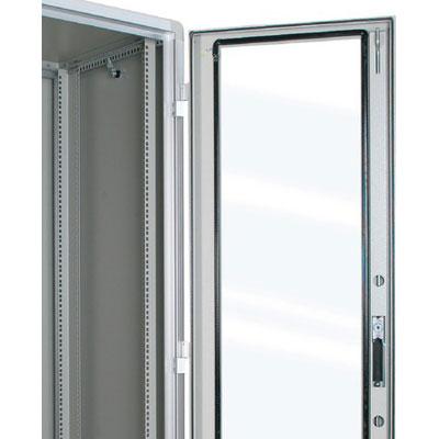 ARMADIO RACK 24U X 818 X 996 struttura in estruso di alluminio, porta anteriore con finestra in cristallo temprato, fianchi e retro rimovibili con serratura, tetto cieco e zoccolo con passaggio cavi, grado di protezione IP 55