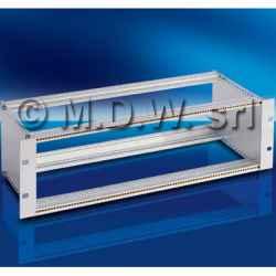 Subrack portamoduli a pareti composte 6U (2 x 3U) 84HP per schede P=280 con connettori ad interasse di fissaggio di 90 mm secondo standard...
